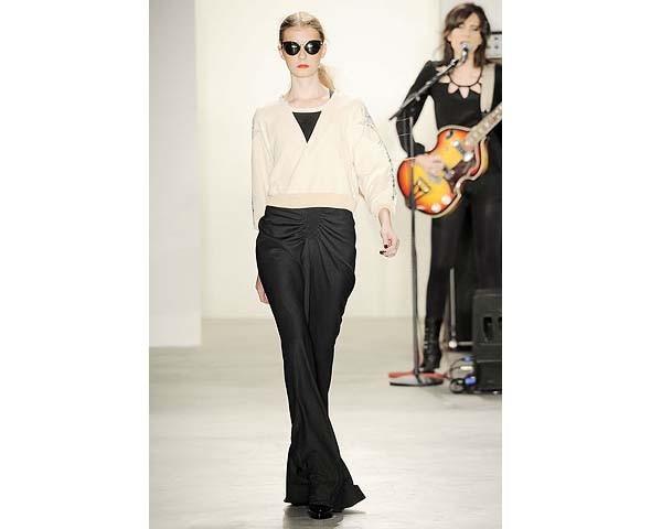 Неделя моды в Нью-Йорке: первые показы. Изображение № 81.