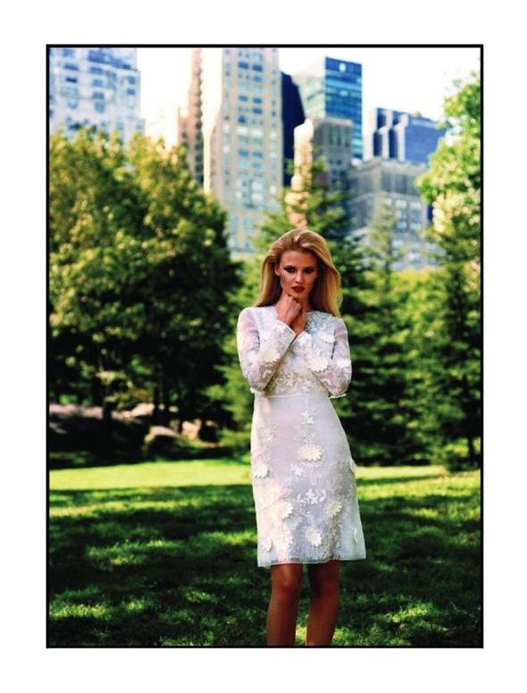 Съёмка: Лара Стоун для Vogue. Изображение № 4.