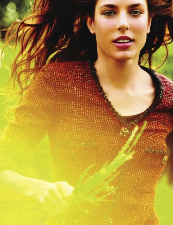 Для обложки сентябрьского номера французского Vogue снялась Шарлотта Казираги. Изображение № 14.