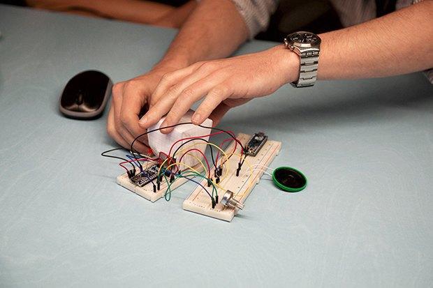 Как сделать передатчик сигнала SOS с помощью платформы Arduino. Изображение № 13.