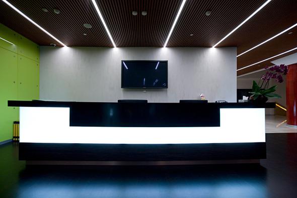 Светящаяся стойка Reception R2. Изображение № 1.