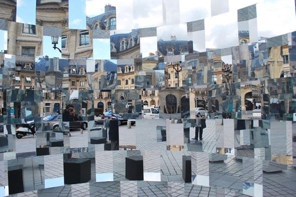 Дизайн-дайджест: Книга мифов о Бэнкси, выставка Ай Вэйвэя и арт-ярмарка FIAC в Париже. Изображение № 77.