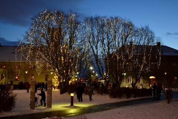Рейкьявик перед Рождеством. Изображение № 16.