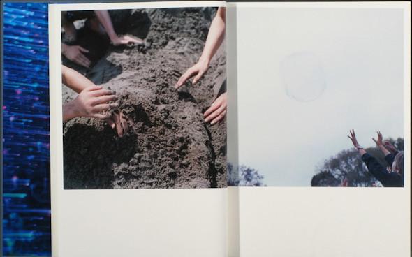 20 фотоальбомов со снимками «Полароид». Изображение №56.