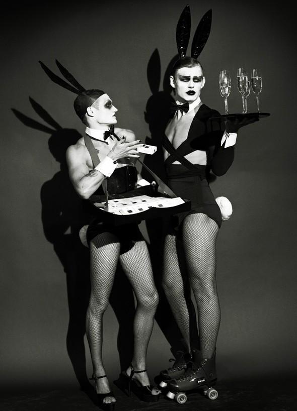 Съёмка: Мариано Виванко для Candy. Изображение № 2.