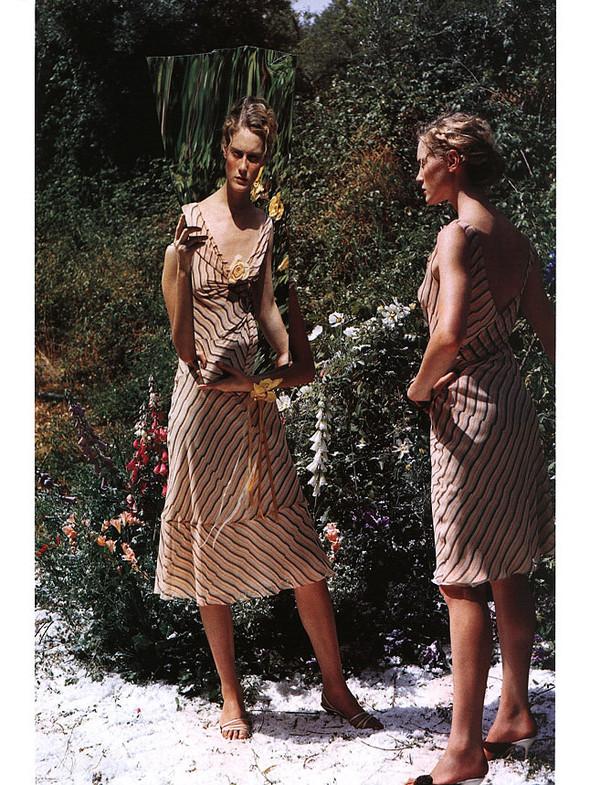 Архивная съёмка: Тим Уокер для Harper's Bazaar, 2000. Изображение № 14.