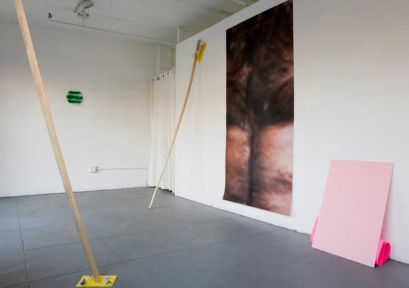 Новые имена: 30 художников, которых будут обсуждать в 2012-м. Изображение № 72.