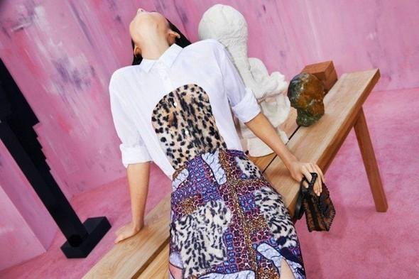 Модный дайджест: Джеймс Франко для Gucci, сари Hermes, сингл Burberry. Изображение № 21.