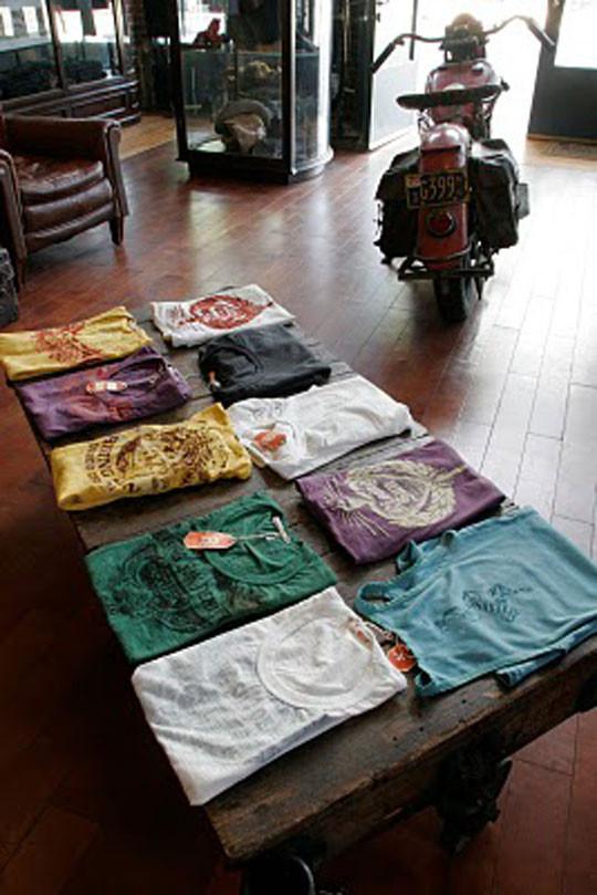 Там продаются джинсы. Часть 2. Изображение № 1.
