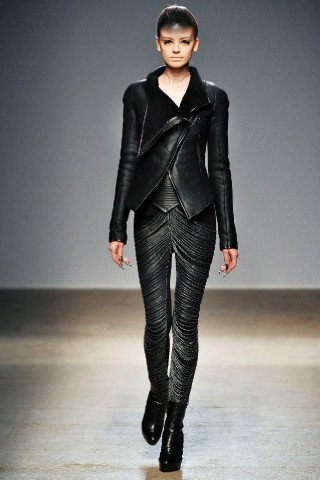Back to black : Gareth Pugh и Victor&Rolf aw 2010-2011. Изображение № 41.