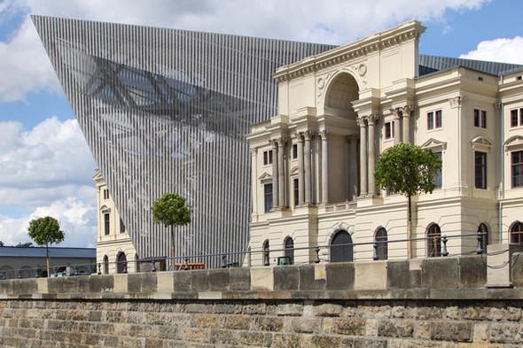 Даниэль Либескинд реконструировал военно-исторический музей в Дрездене. Изображение № 2.