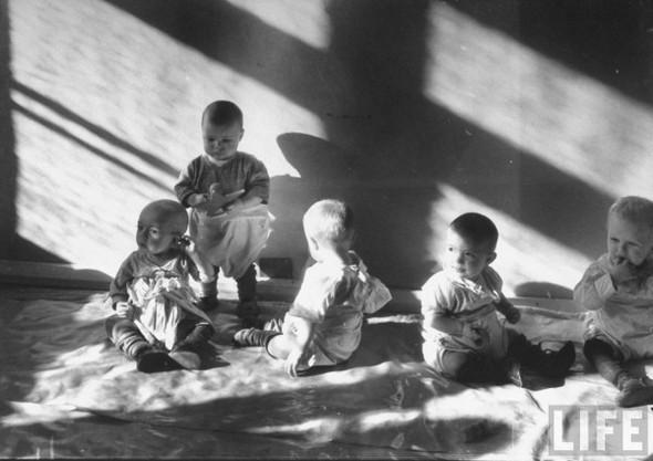 Дети играют в детской московского завода. Изображение № 137.