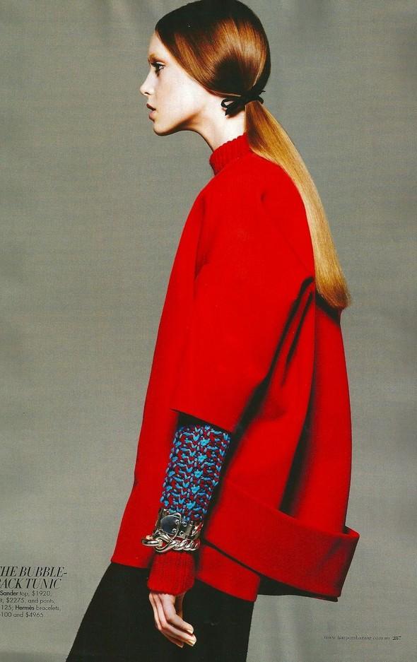 Съёмка: Джемма Бейнес для Harper's Bazaar. Изображение № 12.