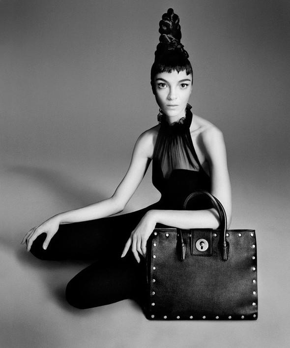 Съёмка: Мариакарла Босконо для Bergdorf Goodman. Изображение № 14.