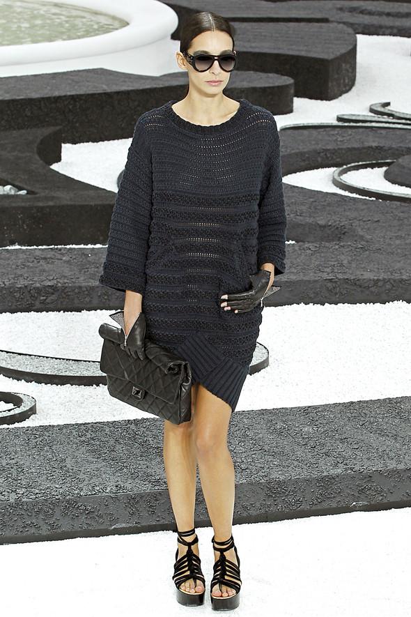 Карл Лагерфельд показал одну из самых красивых коллекций, когда-либо созданных для Chanel. Изображение № 10.