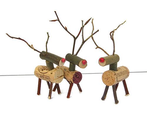 Новогодние украшения из винных пробок. Изображение № 2.