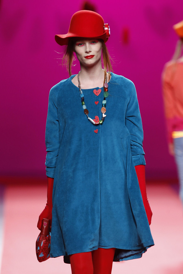 Испанцы Fall Winter 2011/2012: AGATHA RUIZ DE LA PRADA. Изображение № 14.