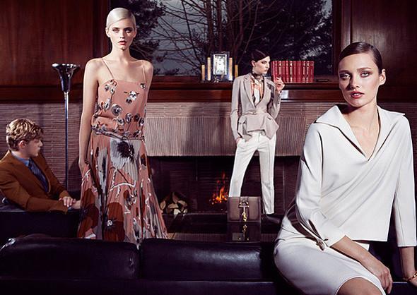 Кампании: Dior, Versace, Gucci и Burberry. Изображение № 15.