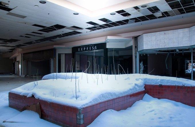 Фото: заброшенный торговый центр в США. Изображение № 11.