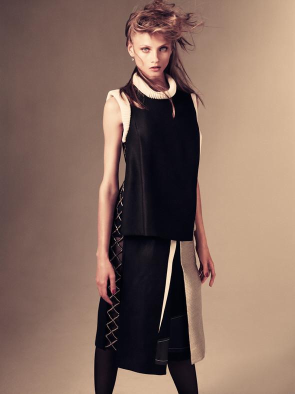 Съёмка: Анна Селезнёва для японского Vogue. Изображение № 6.