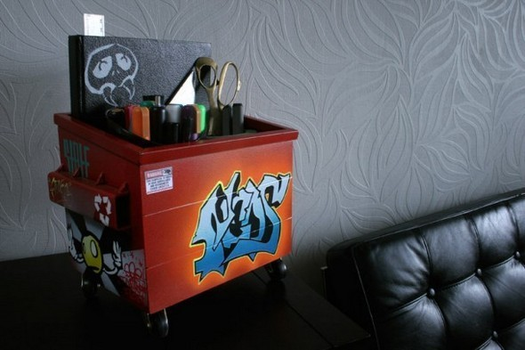 Настольные граффити-контейнеры для цветов и всякой всячины. Изображение № 10.