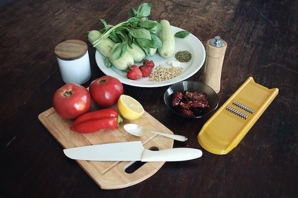 Ингредиенты для спагетти из кабачков. Изображение № 18.