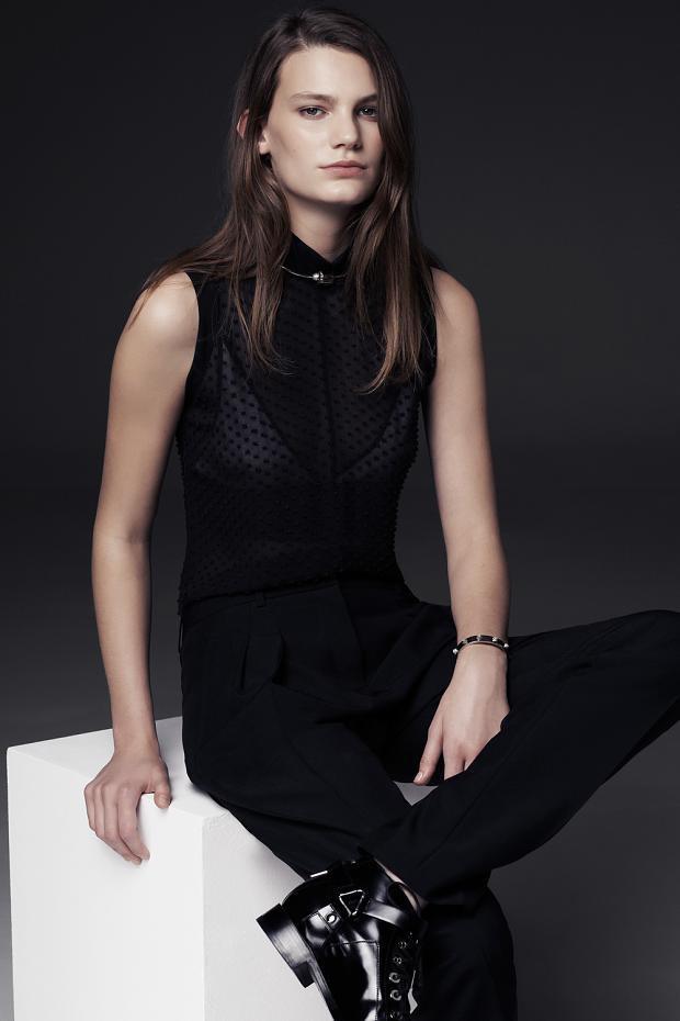 Показаны новые лукбуки Balenciaga, Chanel и Zac Posen. Изображение № 36.
