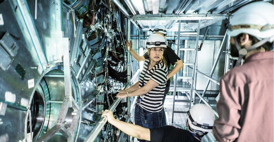 Как отдыхают сотрудники на Большом адронном коллайдере. Изображение № 9.
