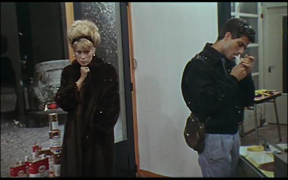 Movie-Looks: «Шербурские зонтики». Изображение № 19.