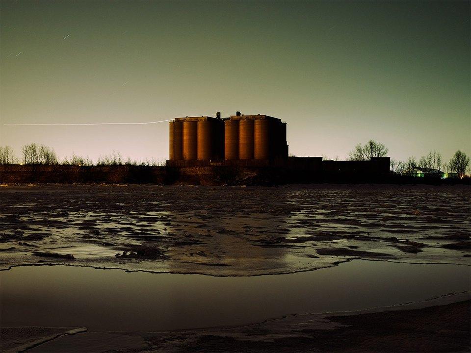 Фабрики из хоррора: ночная индустриальная фотография. Изображение № 11.