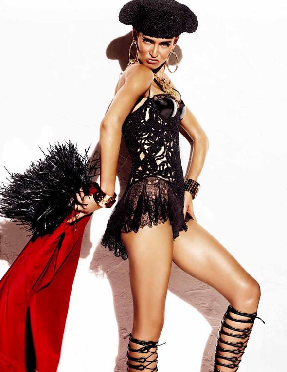 Съёмка: Бьянка Балти для Vogue. Изображение № 12.