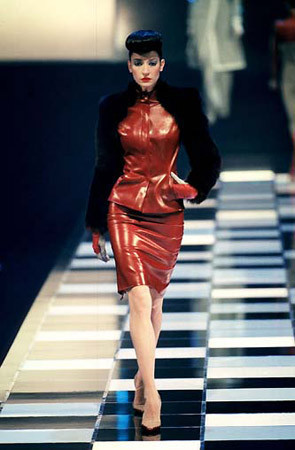 Givenchy FW 1998. Изображение № 14.