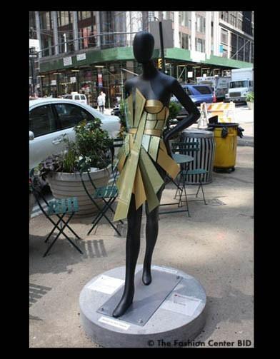 Американские модельеры переодели манекенов в Нью-Йорке. Изображение № 15.