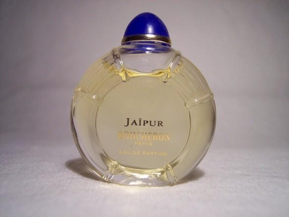 Самые красивые флаконы парфюма. Изображение №11.