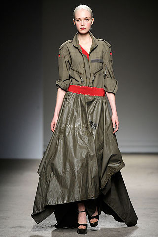 Thimister Haute Couture FW 2010. Изображение № 15.