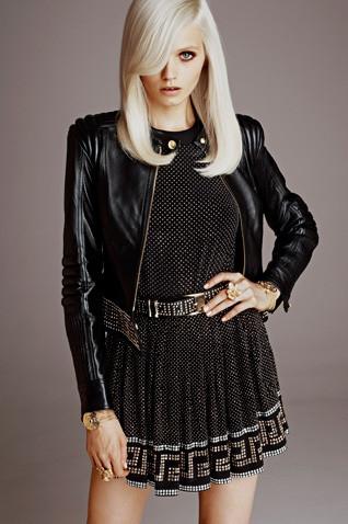 Появились полный каталог, лукбук и цены на коллекцию Versace для H&M. Изображение № 2.