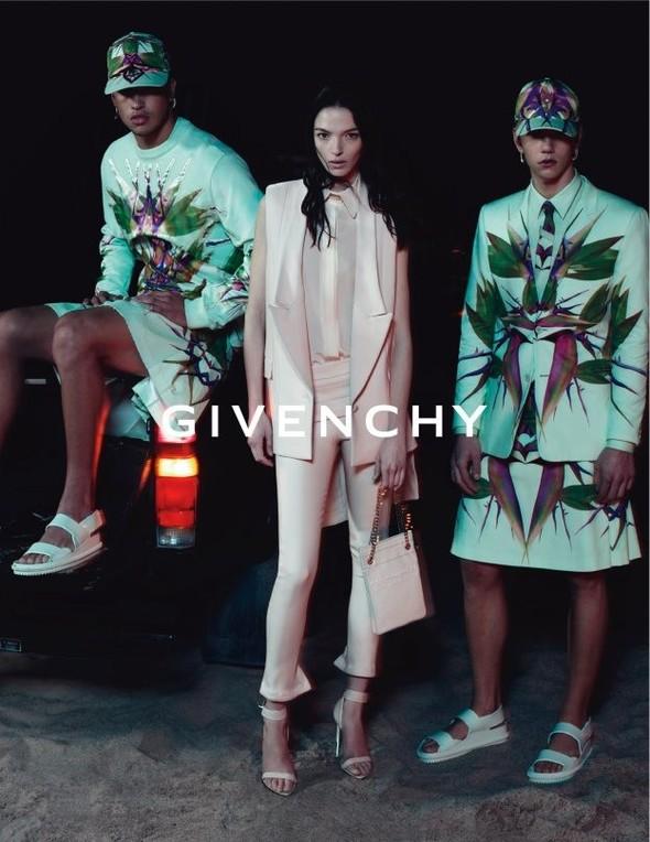 Кампания: Givenchy SS 2012. Изображение № 5.