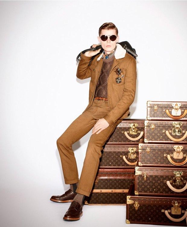 Показаны новые лукбуки Gucci, Louis Vuitton и Prada. Изображение № 17.