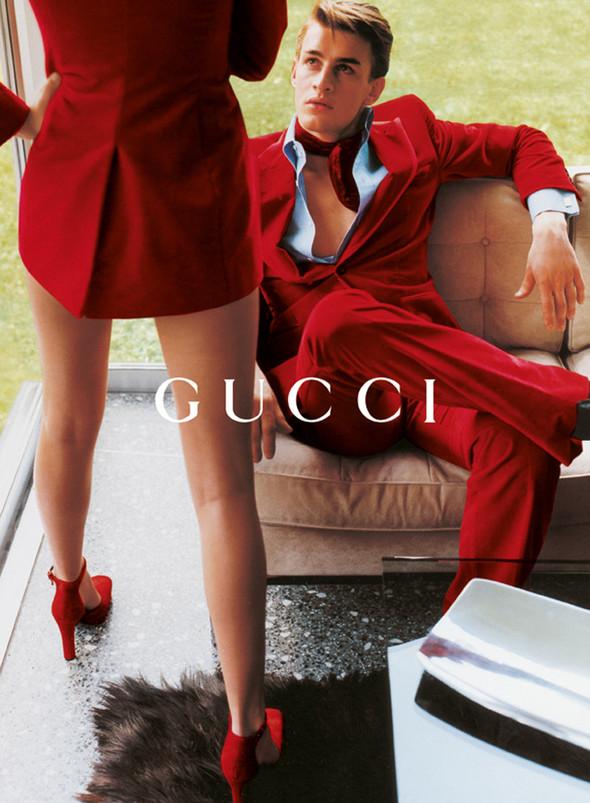 Архивная съёмка: Кампания Gucci FW 1996. Изображение № 13.