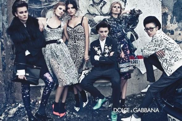 Рекламная кампания D&G FW 2011. Изображение № 21.