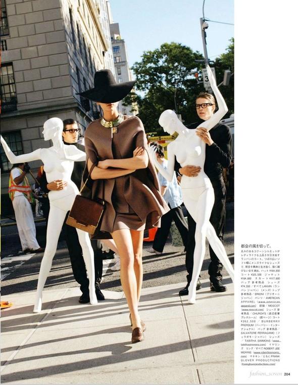 Съёмка: Карли Клосс для японского Vogue. Изображение № 3.