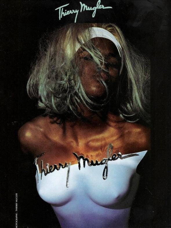 Архивная съёмка: Наоми Кэмпбелл в объективе Тьерри Мюглера для Thierry Mugler 1990. Изображение № 3.