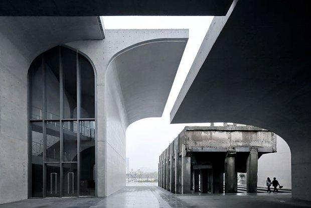 Фотограф: Su Shengliang / Здание: Long Museum West Bund (Шанхай, Китай) / Бюро:  Atelier Deshaus / Категория: «Экстерьер». Изображение № 2.
