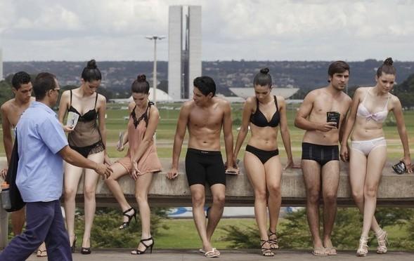 День нижнего белья в Бразилии. Изображение № 1.
