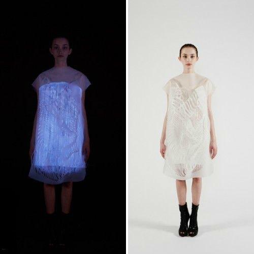 Ин Гао создал платья, которые светятся, когда на них смотрят. Изображение № 1.