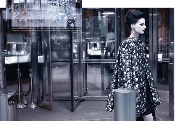 Съёмка: Кверелле Янсен для Vogue. Изображение № 2.