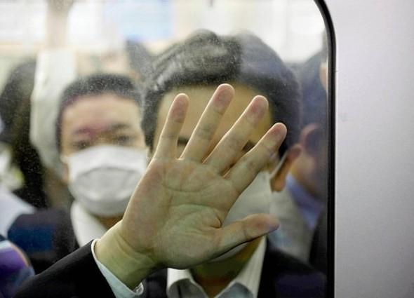 Час пик в метро. Токио. Изображение № 5.