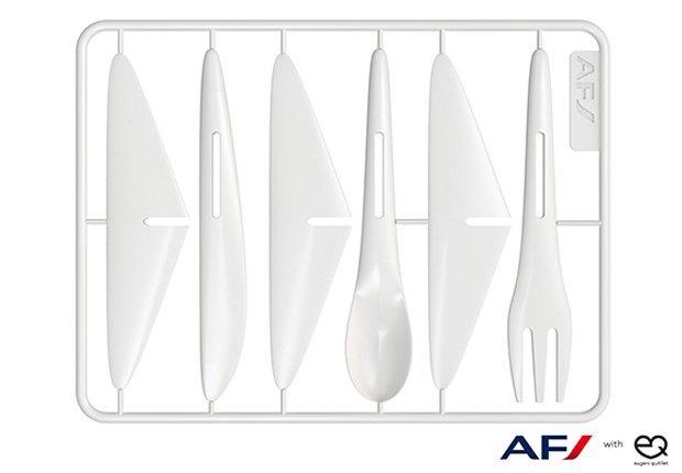 Столовые приборы Air France теперь превращаются в игрушки. Изображение № 1.