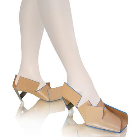 Самые оригинальные туфли февраля. Изображение № 1.