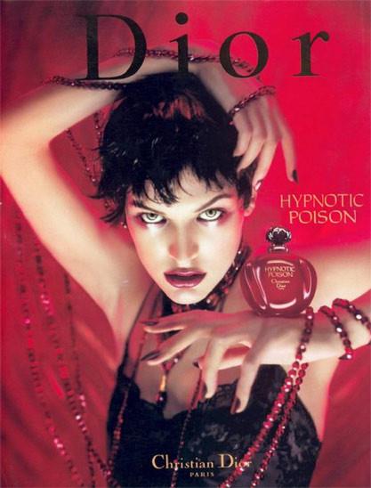 5 легендарных парфюмов 1980х годов. Изображение № 4.